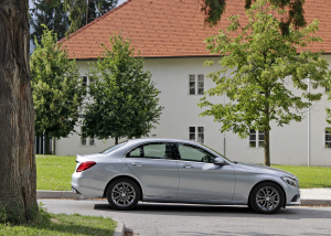 Mercedes-Benz C-razred 220d limuzina - zunanjost