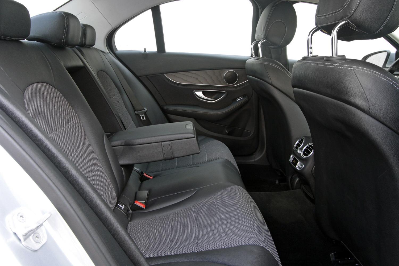 Mercedes-Benz C-razred 220d limuzina - notranjost