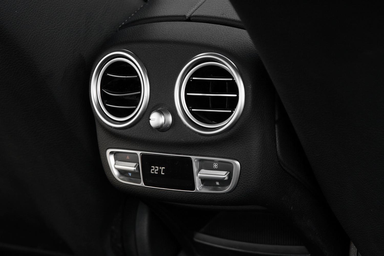 Mercedes-Benz C-razred 220d limuzina - nastavljanje klime za zadaj sedeče