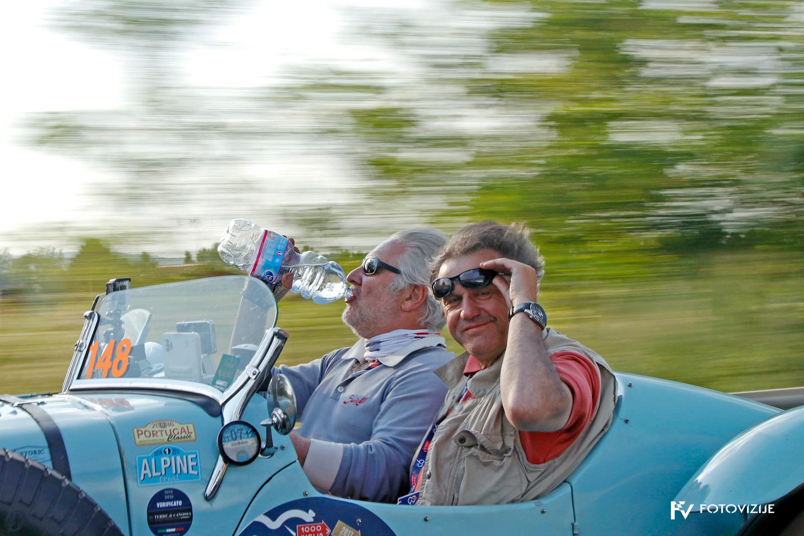 Moja najljubša fotografija z dirke Mille Miglia 2017 - le kdo vozi?