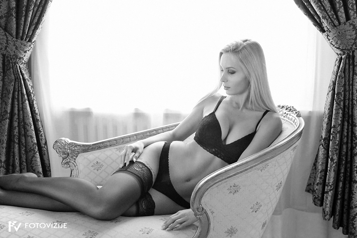 Po nekaj letih ponovno fotografiranje Eve - tokrat na delavnici boudoirja z mojstrico tega stila Ullo Wolk