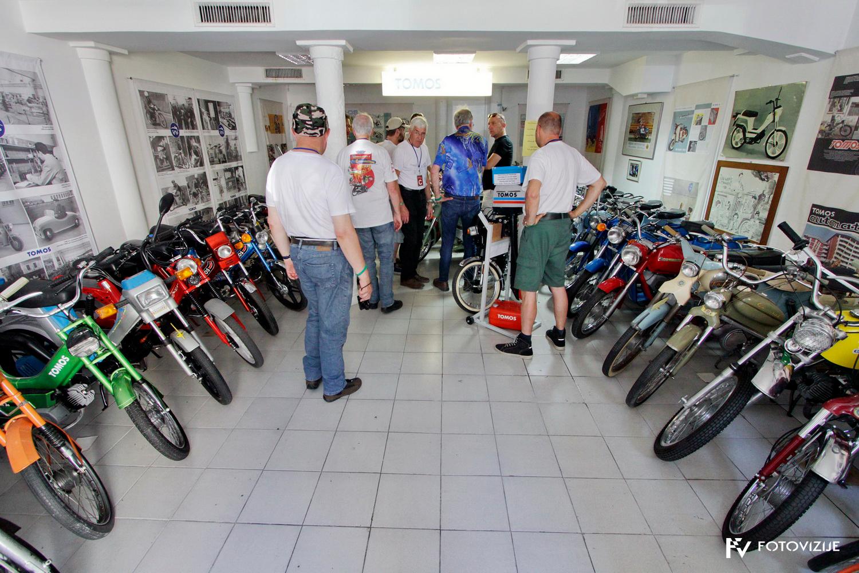 FIVA world moto rally 2019, drugi dan - slovenska Istra - Muzej Tomos, Koper