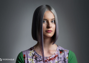 Fotografiranje postopka striženja, za frizerskega mojstra Metoda Tasiča. Model: Lana