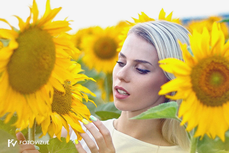 Ana in sončnice