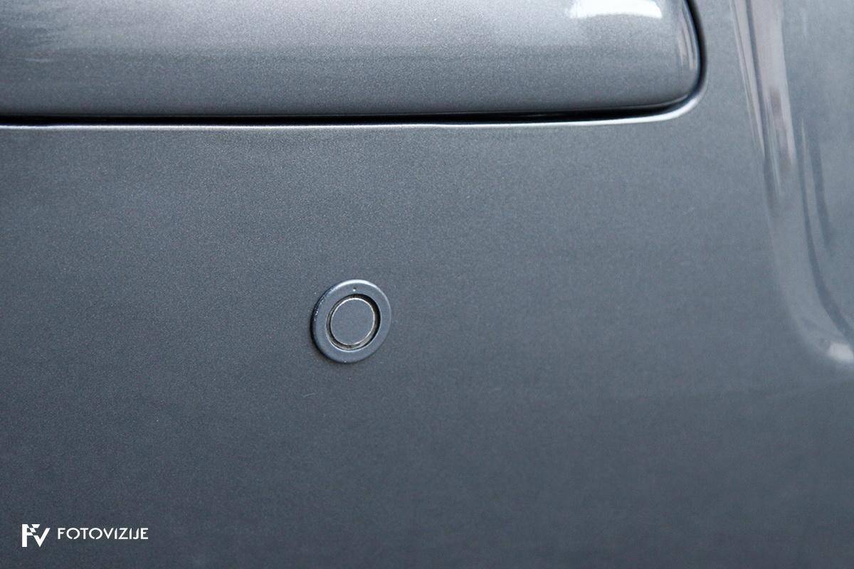 Toyota avensis 2,0 D-4D Sol, 2003 - zunanji detajli - parkirni senzorji