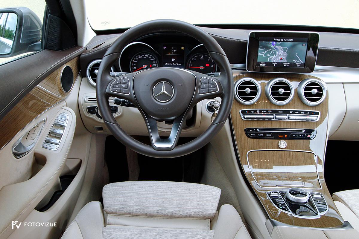 Mercedes-Benz C 220d karavan Avantgarde-Luxury 2016 - voznikov delovni prostor