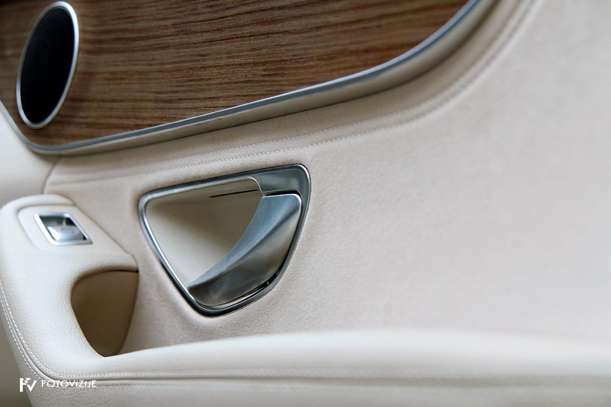 Mercedes-Benz C 220d karavan Avantgarde-Luxury 2016 - notranjost - vratni panel z detajli