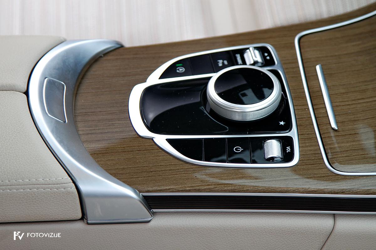 Mercedes-Benz C 220d karavan Avantgarde-Luxury 2016 - notranjost - upravljalni gumbi na sredinskem tunelu