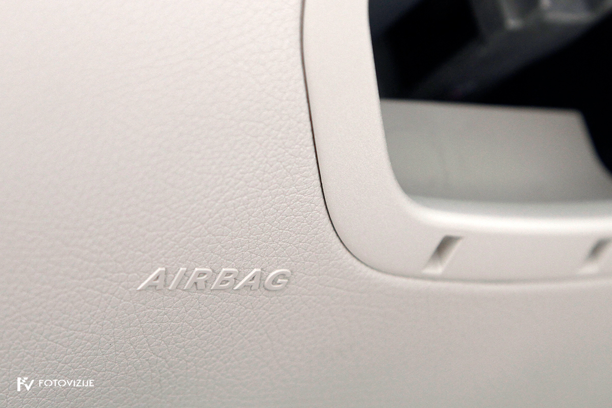 Mercedes-Benz C 220d karavan Avantgarde-Luxury 2016 - kolenska zračna balzina