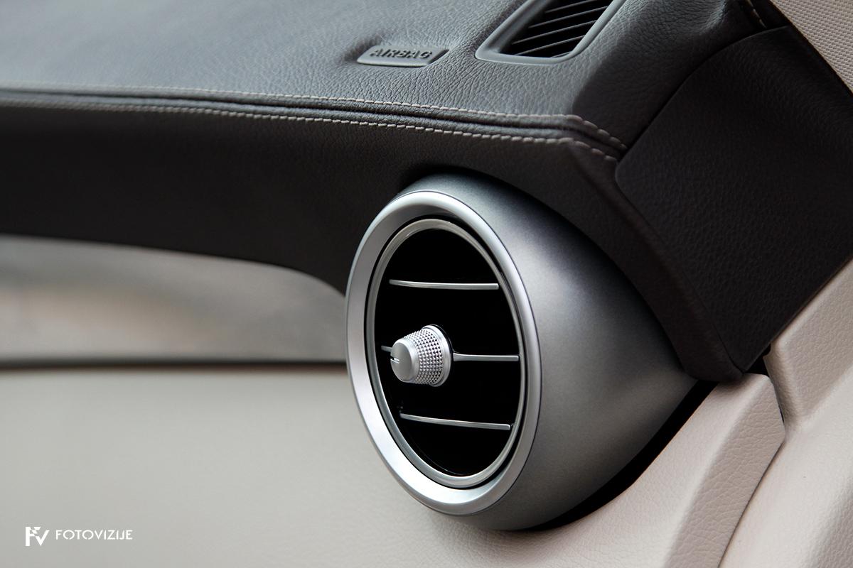 Mercedes-Benz C 220d karavan Avantgarde-Luxury 2016 - šoba ventilacije in šivana prevleka armaturne plošče