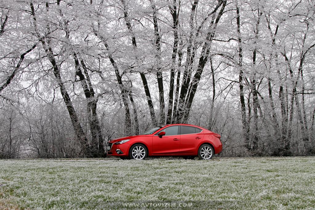 Mazda3 limuzina