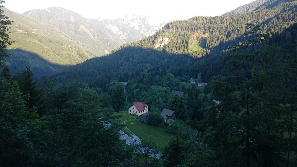 Serpentine na avstrijski strani Jezerskega