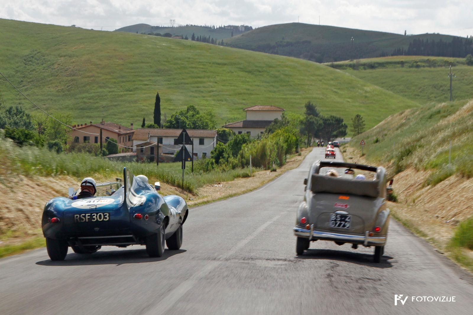 Nekateri so peljali zelo za res. Jaguarjev D-type je tudi s prehitevanji izražal svojo moč, ki je vidna že na obliki.