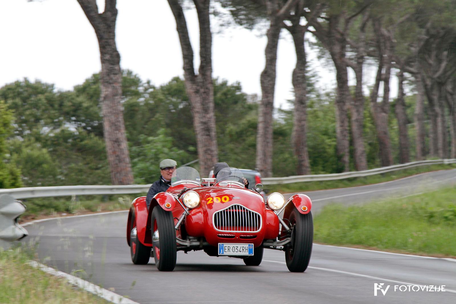 Mille Miglia 2018: Pristno angleški Allard J2 na poti proti Rimu