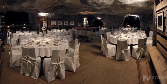 Kulinarični večer v Podzemlju Pece - scena