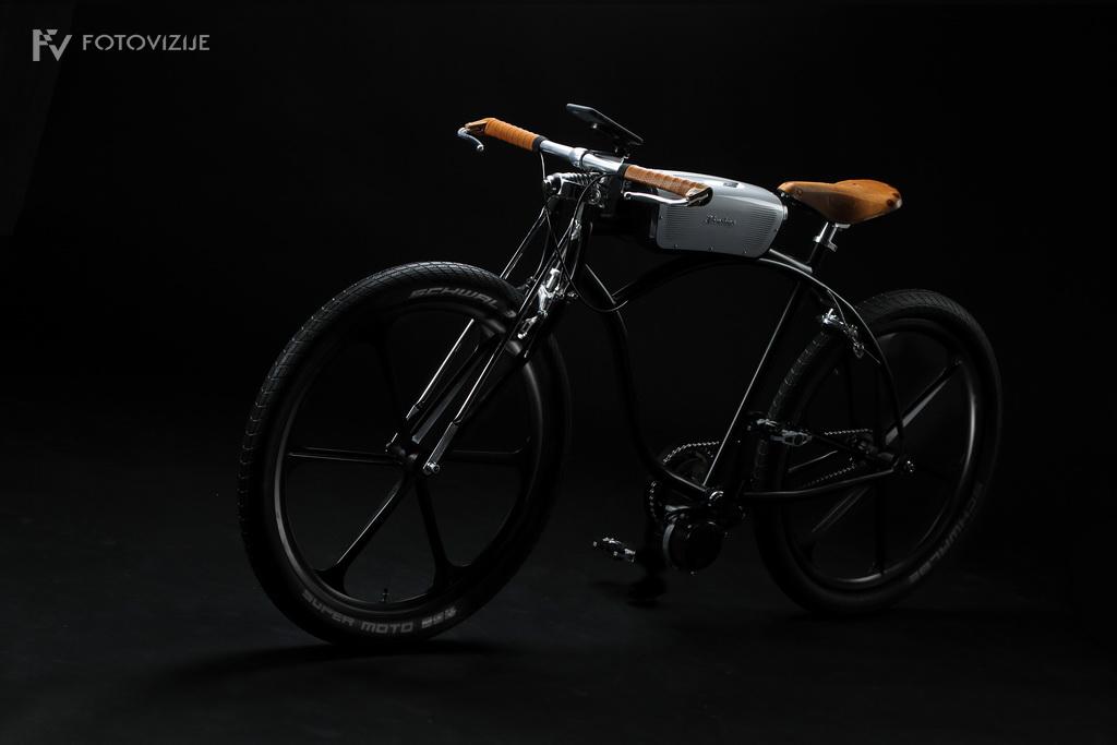 Fotografija prototipa električnega kolesa Noordung No. 1