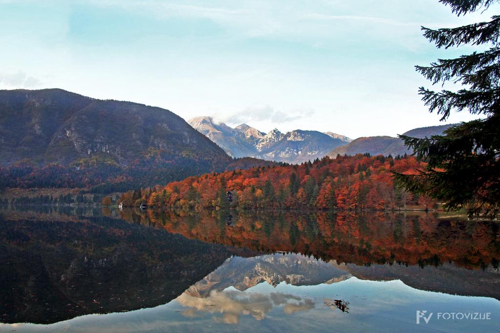 Bohinjsko jezero v jeseni