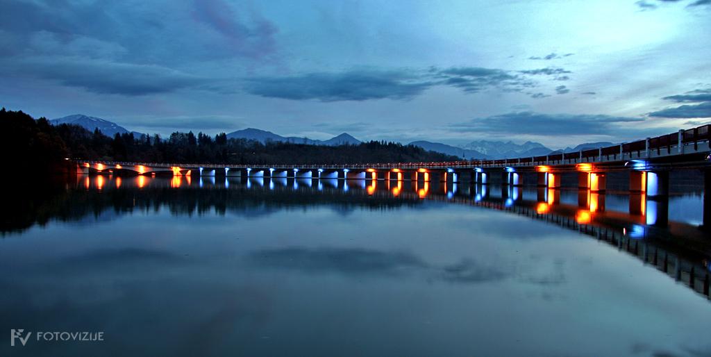 Most pri Velikovcu ponoči