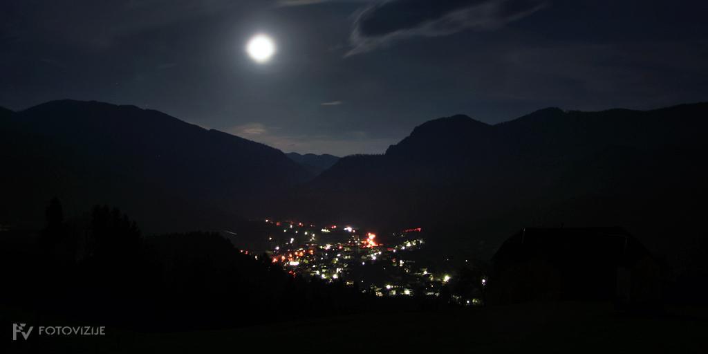 Moj kraj Mežica ponoči