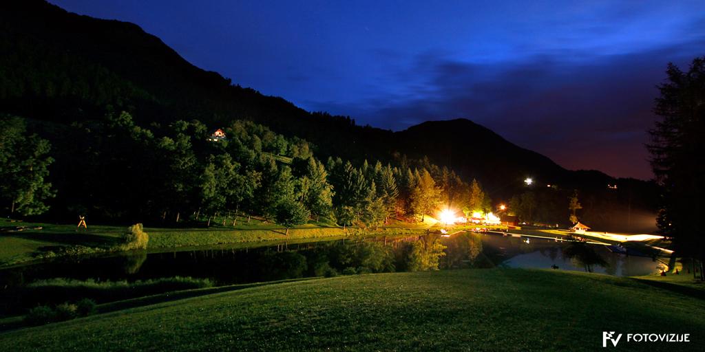 Ivarčko jezero ponoči
