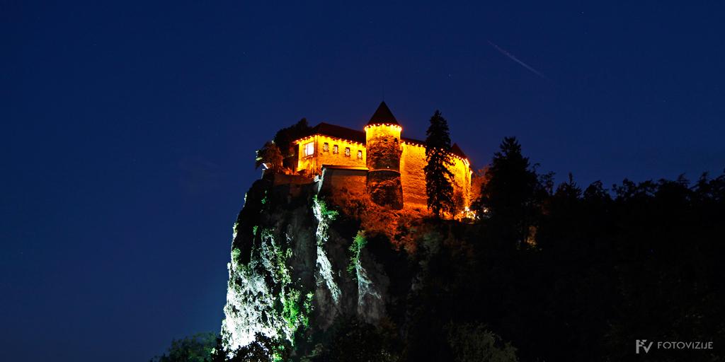 Nočna fotografija blejskega gradu