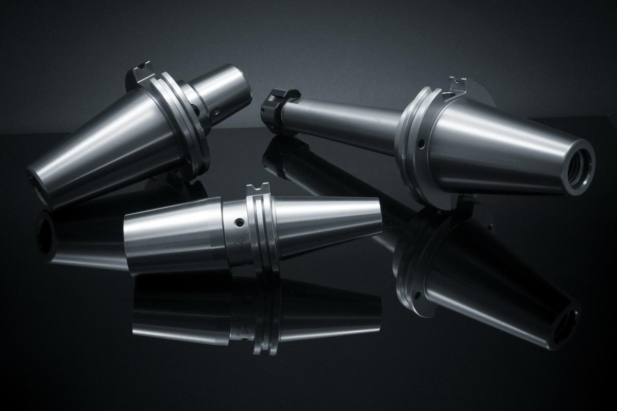 Fotografiranje predmetov (vpenjalni trni Orodja Erhart) - črno zrcalno